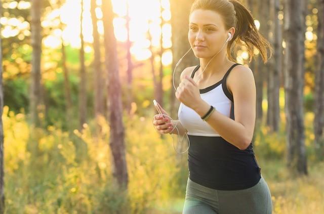 Что лучше сжигает жир: тяжести или бег?