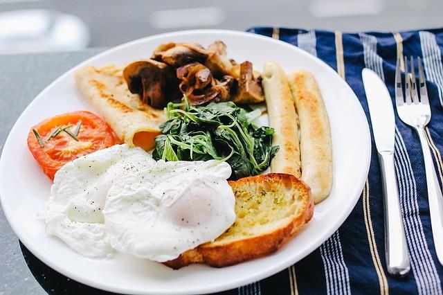 10 причин каждое утро завтракать.