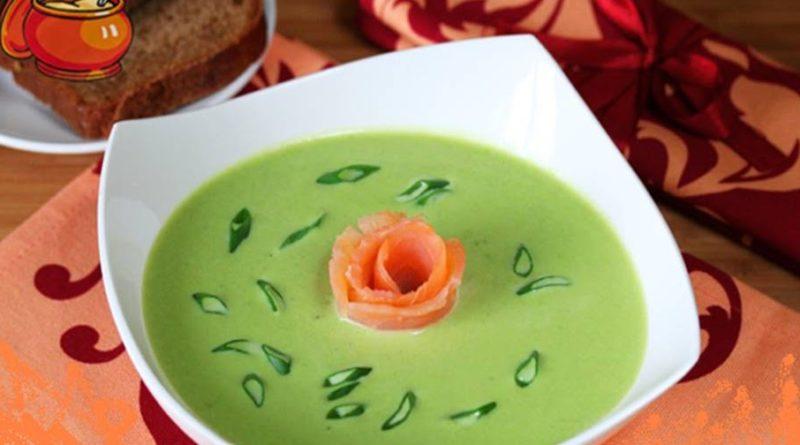 Суп из зеленого горошка с лососем