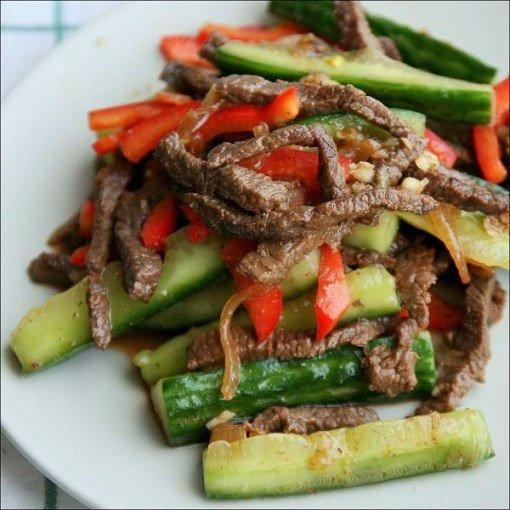 Огурцы с мясом «по-китайски».
