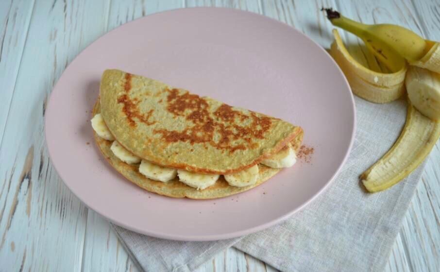 Овсяноблин с полезной начинкой на завтрак.