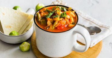 Запеченный суп с фасолью.