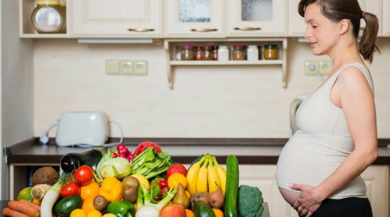 Питание женщины во второй половине беременности.