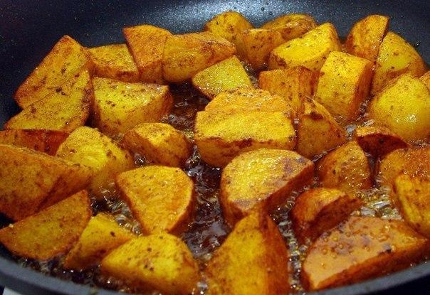 Жарим картошку правильно. С румяной корочкой.