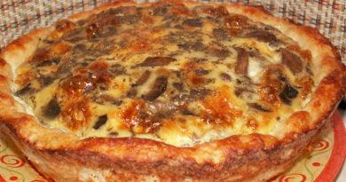 Картофельное лукошко с мясом и грибами.