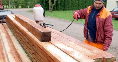 Какой лучше выбрать антисептик для древесины: виды и их особенности