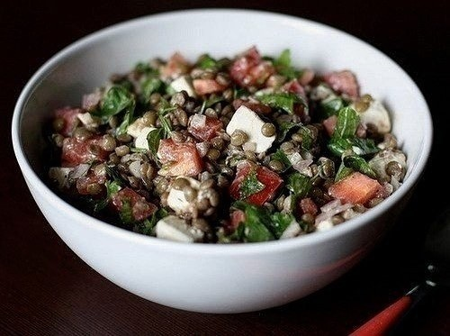 Белковый салат с чечевицей.