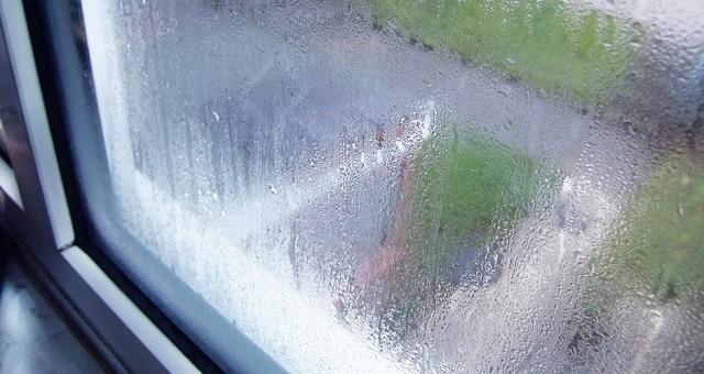 Причины запотевания пластиковых окон и их устранение.