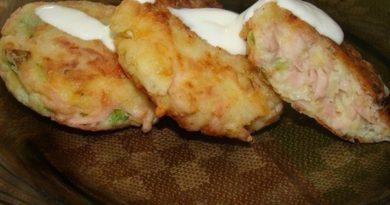 Вкусные картофельные биточки с ветчиной.