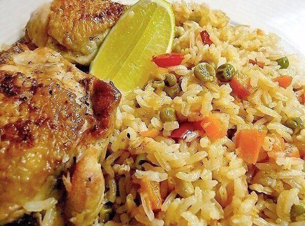 Рис с куриными бедрышками.