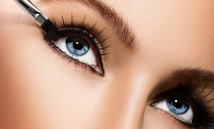 Как визуально увеличить глаза с помощью макияжа.