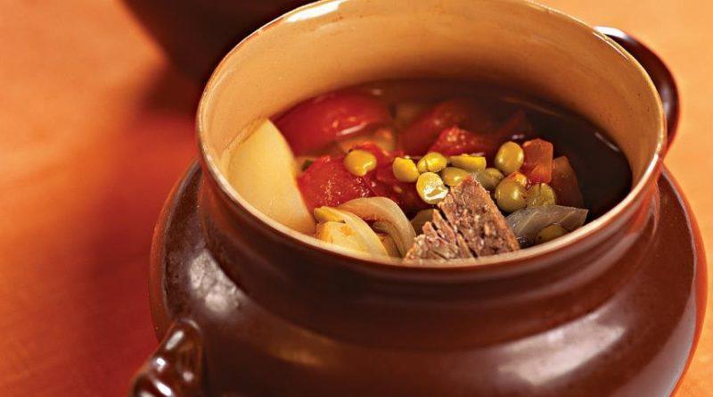Азербайджанский суп-пити в горшочках.
