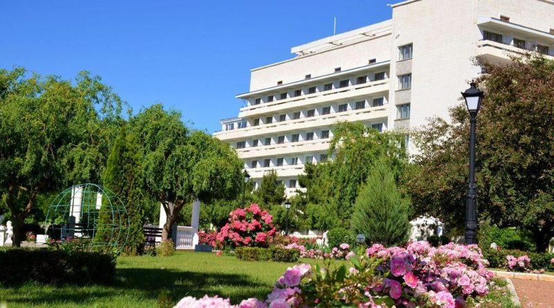 Названы лучшие оздоровительные и лечебные курорты России.