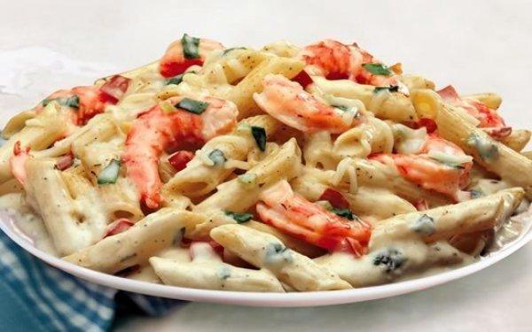Вкусная паста с креветками в чесночно-сливочном соусе