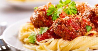 Спагетти с тефтелями