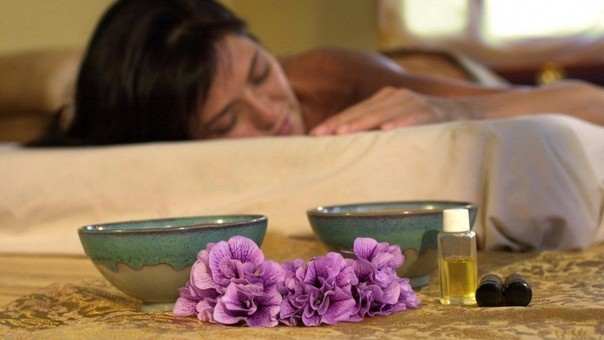 Лучшие эфирные масла для сна.