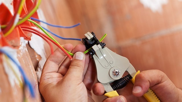 Монтаж электропроводки в частном доме.