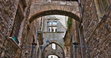 Итальянский городок Нарни - красота Средневековья.