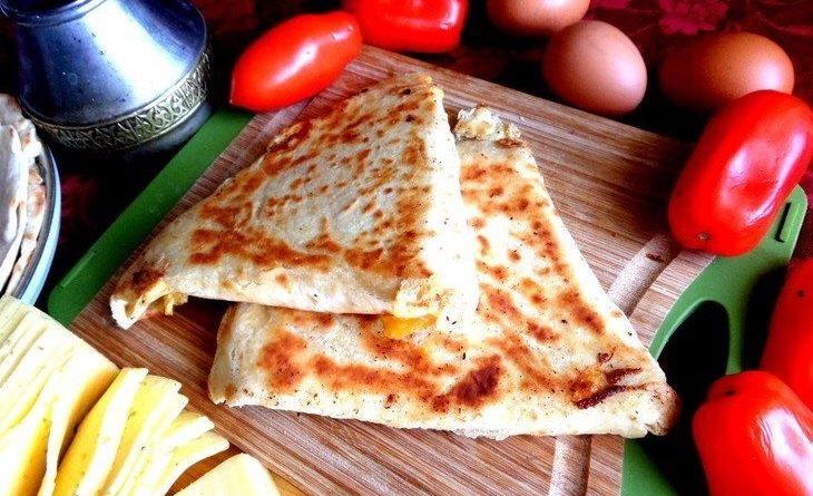 Ёка — армянская закуска из лаваша.