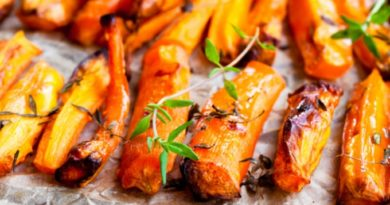 Марокканский салат с печеной морковью и авокадо.