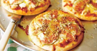 Мини-пицца с инжиром