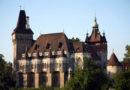 БУДАПЕШТ, ВЕНГРИЯ – Замок Vajdahunyad
