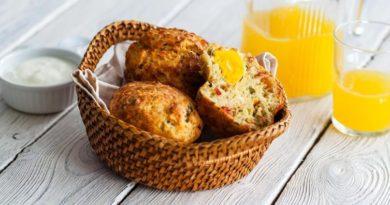 Маффины с беконом и яйцом для завтрака