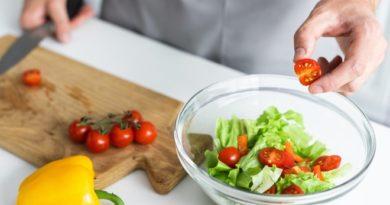 Панцанелла: итальянский хлебный салат для летнего стола