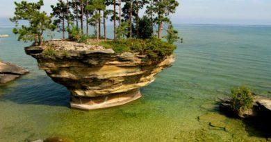 Озеро Гурон и его остров