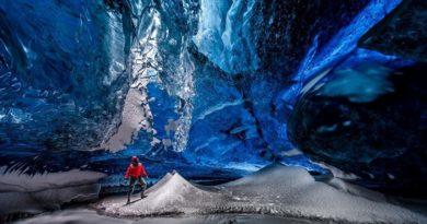 Ледяные пещеры ледника Ватнайёкюдль, Исландия