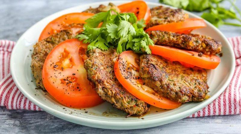 Мясные оладьи с картошкой и зеленью