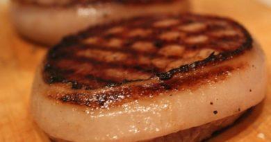 Стейк из говядины с ароматным маслом