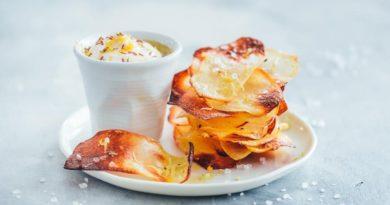 Хрустящие домашние картофельные чипсы с лимоном