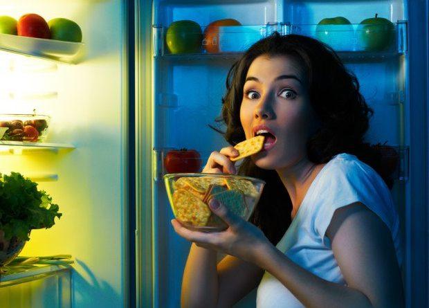 Почему нас тянет есть по ночам