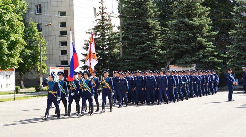 К юбилею военно-воздушной академии имени Жуковского и Гагарина посвящается...
