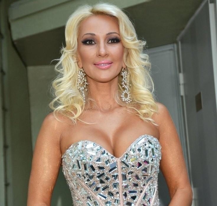 Лера Кудрявцева показала грудь после операции по удалению имплантов
