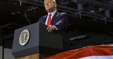 """Трамп назвал голосование за импичмент """"политическим самоубийством"""" Демократической партии"""