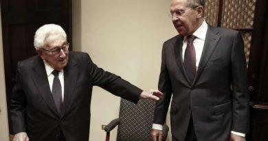 Лавров и Киссинджер. Как далеко зайдет чистка «конюшен» теневой дипломатии