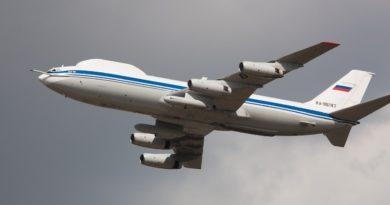 Самолеты двух держав - России и США