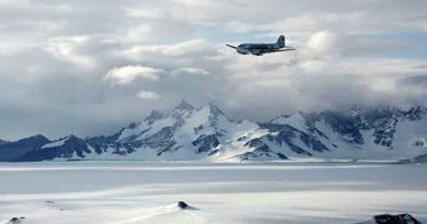 Главком рассказал о целях ВМФ в Антарктиде