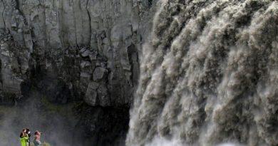 Деттифосс (Dettifoss) — самый мощный водопад в Европе