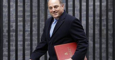 Министр обороны Британии призвал меньше опираться на помощь США