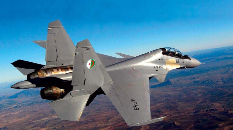 На северо-востоке Алжира разбился истребитель Су-30