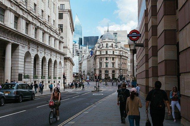 Перспективы розничных продаж в Великобритании неутешительные