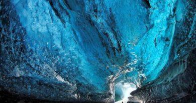 Самые завораживающие ледяные пещеры мира