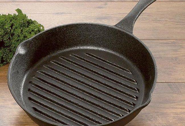 Что нельзя жарить на чугунной сковороде