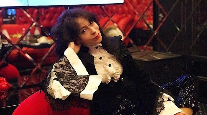 Марина Хлебникова призналась, что из-за болезни не может поправиться