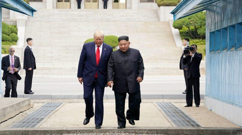 Мун Чжэ Ин заявил, что возможность перезапуска диалога США и КНДР еще существует