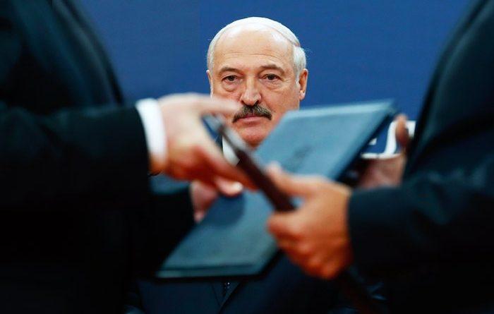 Готова ли Россия смотреть, как Лукашенко ведёт Белоруссию к гибели?