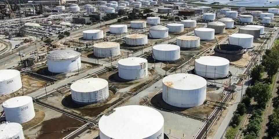 Еженедельные запасы нефти в США выросли больше ожиданий